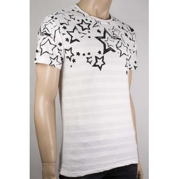 Мъжка бяла тениска с принт черни звезди