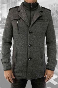Стилно мъжко палто за зимния сезон