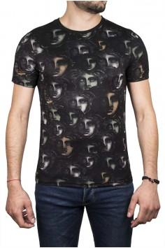 Вталена тениска в черен цвят и сиви лица