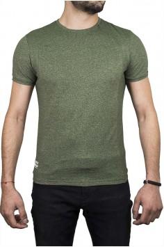 Тениска в зелено с бродирана буква