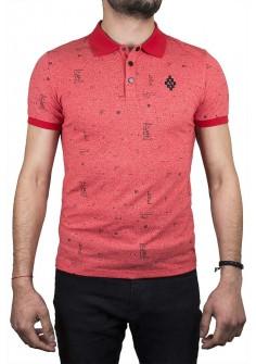 Тениска с якичка в червен цвят с емблема