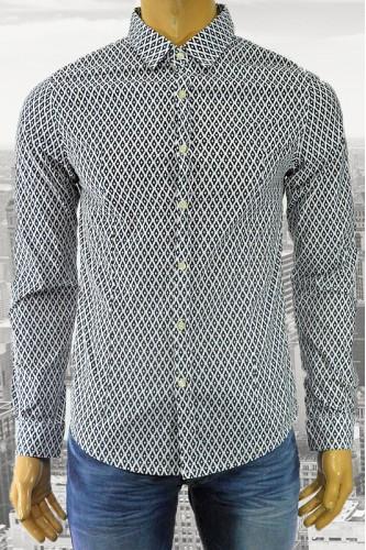 Вталена мъжка риза с принт на ромбове