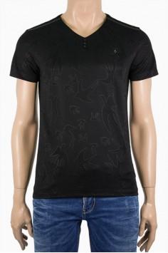 Мъжка тениска с остро деколте